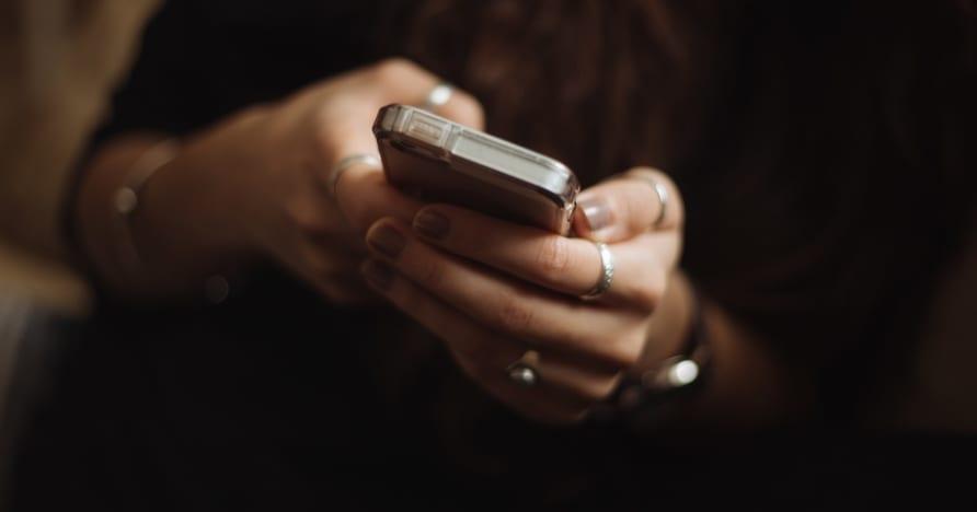 Razones para comenzar a jugar casino en línea en dispositivos móviles